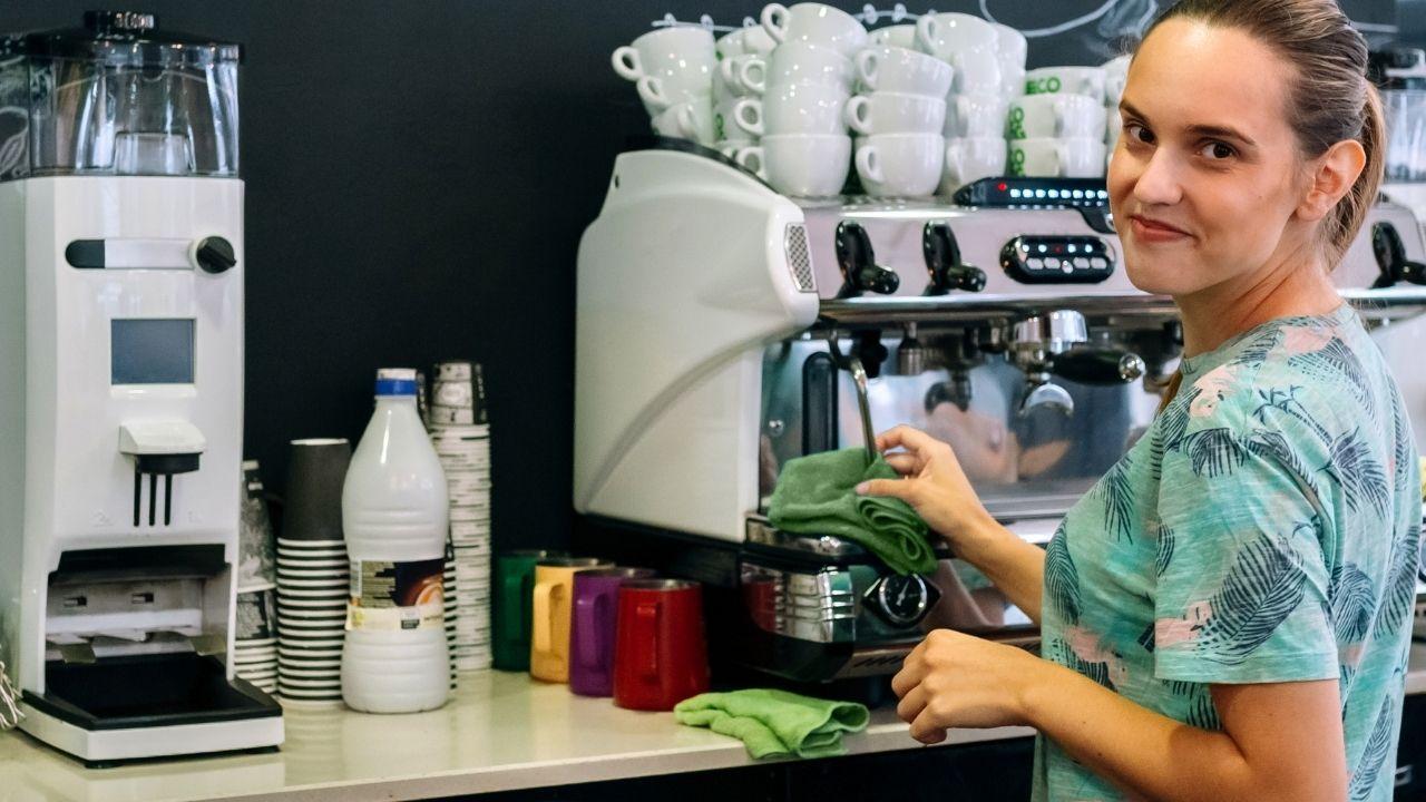 Bien nettoyer sa cafetière